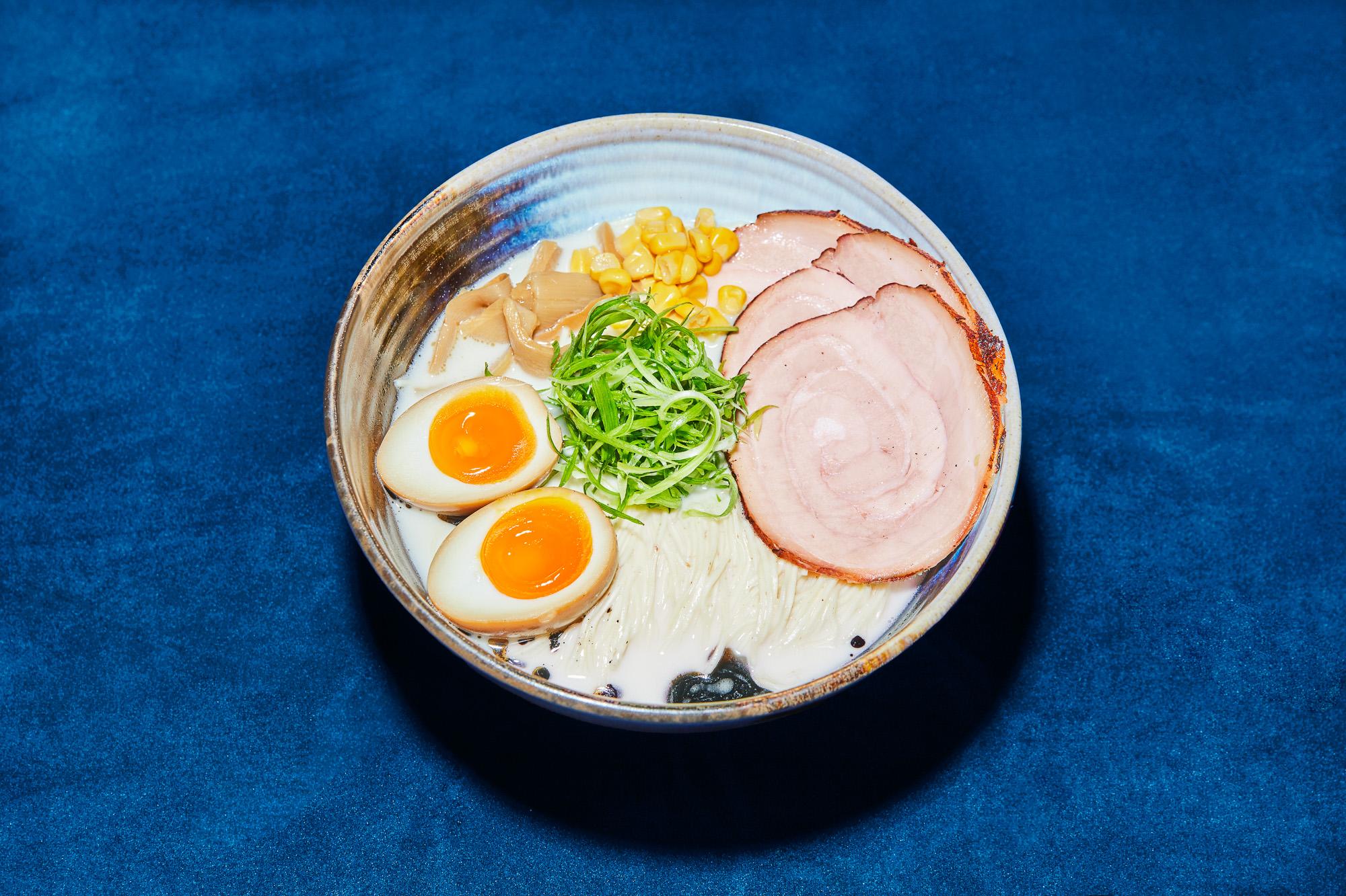 tonkotsu とんこつラーメン